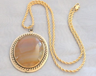 Caramel Striped Agate Pendant Necklace Vintage Topaz Amber Heavy Gold Chain  Antiqued Goldtone Jewelry