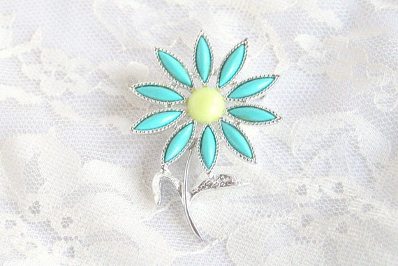 Daisy Flower Brooch Sarah Coventry Vintage Turquoise Blue Yellow Silvertone Pop Art Floral Figural Pin