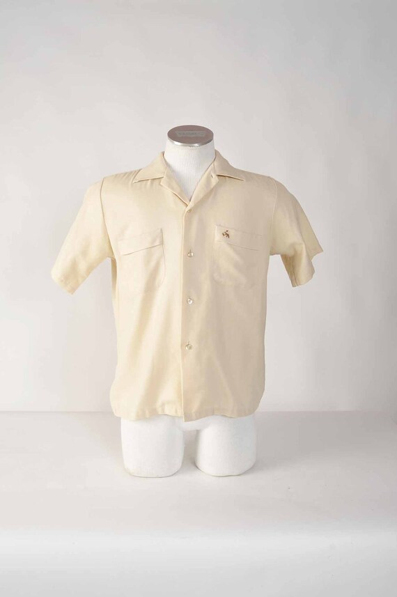Vintage 1960s Shirt // Early 60s Classic Casual Cotton Blend Herringbone Twill Short Sleeve Shirt M
