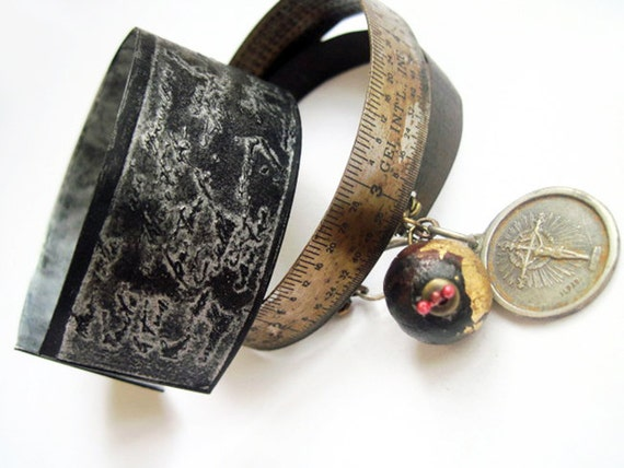 The Old Astronomer. Oxidized Cuff Set with Rulers.