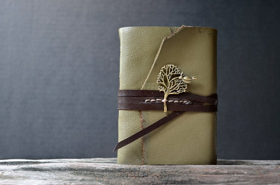 Big Tree & bird MiniBook A7 Olive Green leather