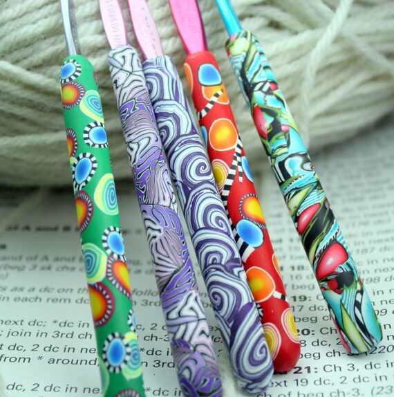 Polymer clay covered crochet hook SET of 5, new Susan Bates sizes f5, g6,size 7, h8, i9