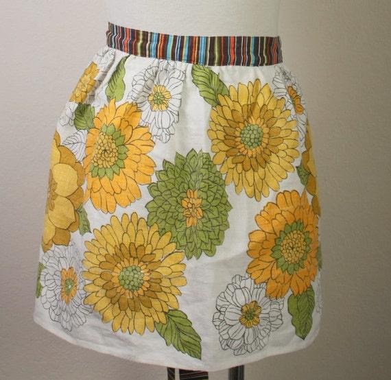 apron retro, half size vintage tea towel yellow floral