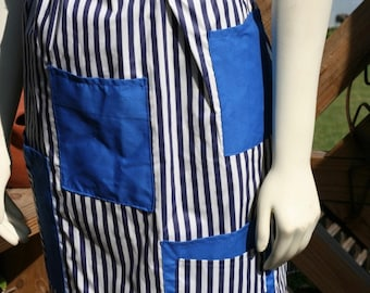 SALE - Cute Cotton Half Apron with pockets - Great for Cooking or Gardening - Lovingly made by my Mom