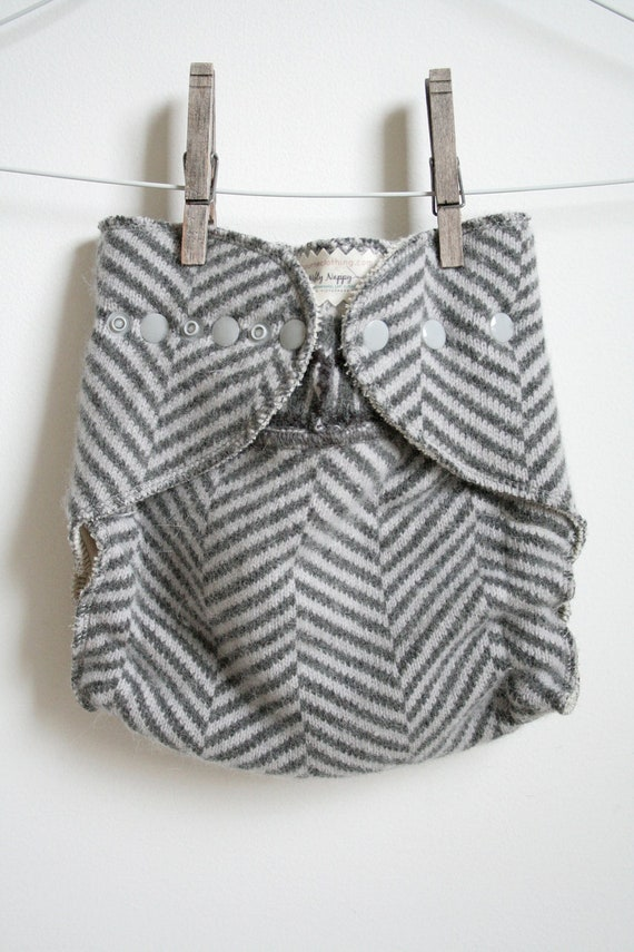 chevron love // wool wrap cloth nappy cover // nifty nappy // one size fits all wool wrap