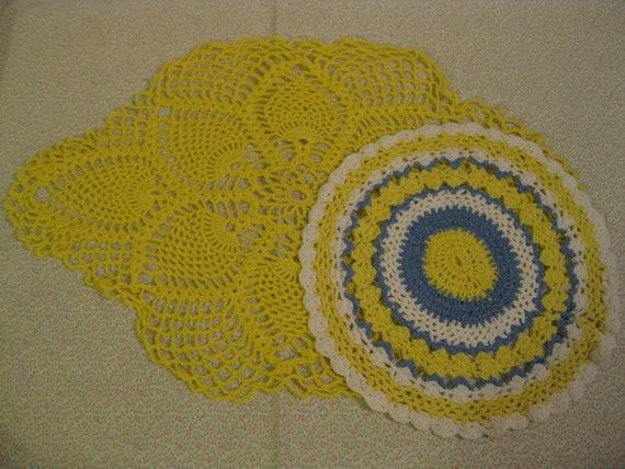 Vintage Sunny Yellow Crochet Doilies  ( 2322 )