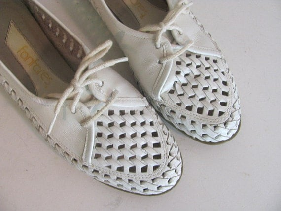 vintage white leather cut outs slip on shoes 6.5