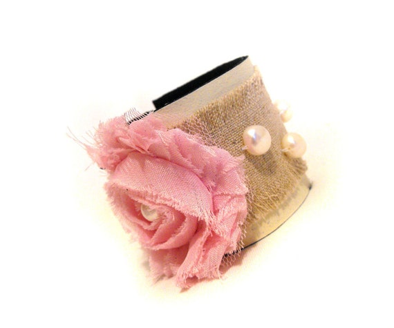 30% OFF SALE   Shabby chic leather bracelet with flower