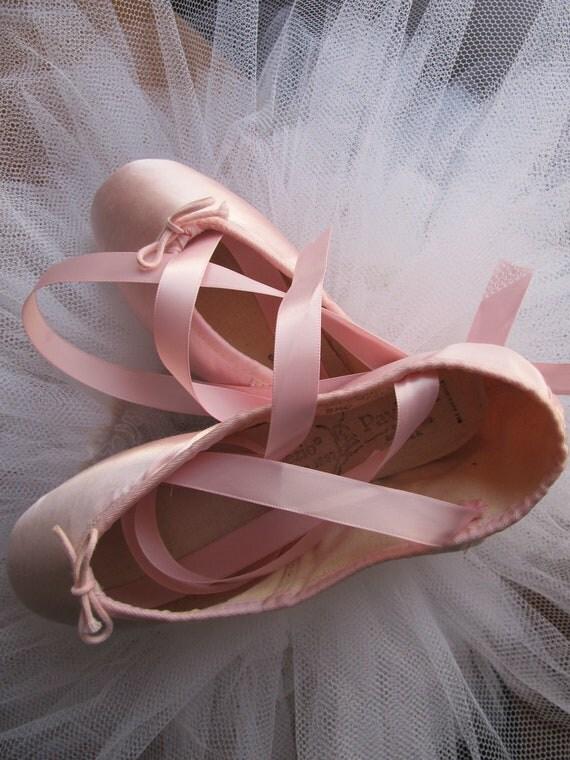 DANUSHAROSE Vintage Magical Baby Ballerina Softest Pink Satin Capezio Pavlova Ballet Pointe Toe Shoes
