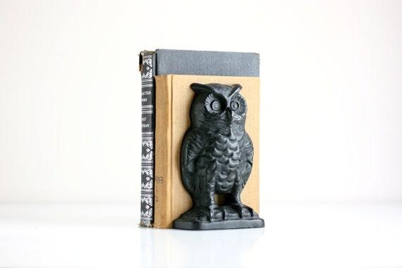 Vintage Cast Iron Owl Book Ends