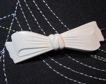 vintage  hair barrette soft white bow