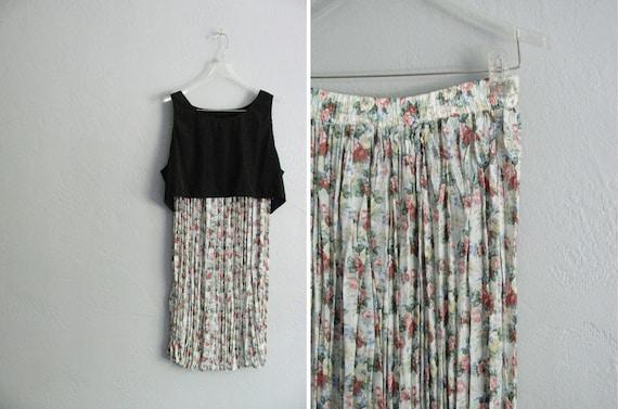 SUMMER GRUNGE / vintage '80s pleated FLORAL crinkled maxi skirt. size m.