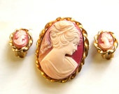 Vintage Cameo Brooch Earrings with Gold Tone Twisted Frames