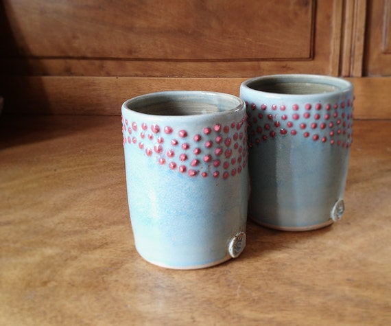 AVAILABLE IN 3 WEEKS - Dots Pottery Tumbler in light-blue and red - 2 Tumbler - Stoneware Tumber - Ceramic cup