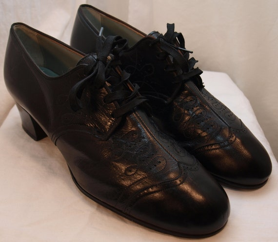 Vintage Enna Jettick Oxford Heels in Black Size 8 - Ornate and the ORIGINAL Granny Shoes