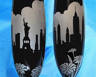 2 New York Skyline Champagne Flutes, Personalized Wedding Toasting Glasses, Big Apple Destination Wedding, Black Etched Glass