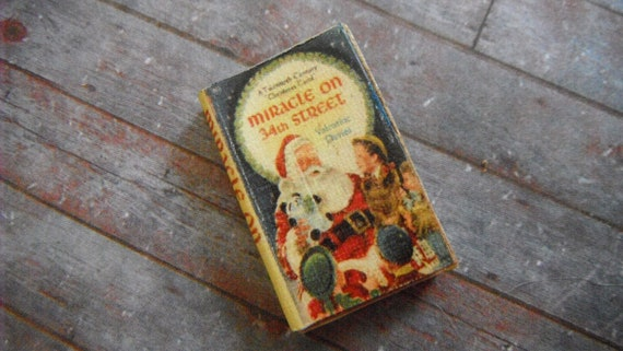 Miniature Book --- Miracle on 34th Street