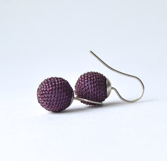 blueberry-crocheted globe earrings made of violet glass beads and silver925 Diameter inch 0,51 /1, 3cm- total length inch1,1/ 2,8cm