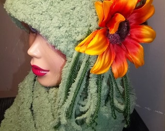 Womens' Pale Green Cloche And Scarf