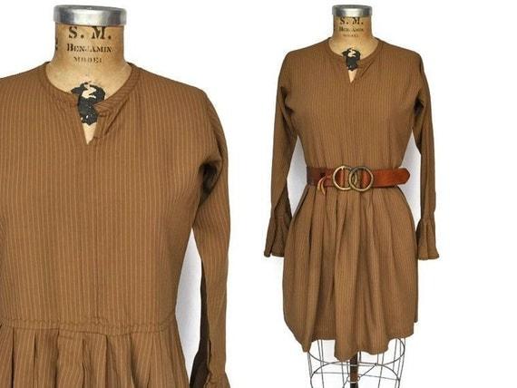 1970s Boho Dress / pin striped tunic dress / M-L