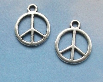 SALE - 40 peace sign charms, silver tone, 15mm