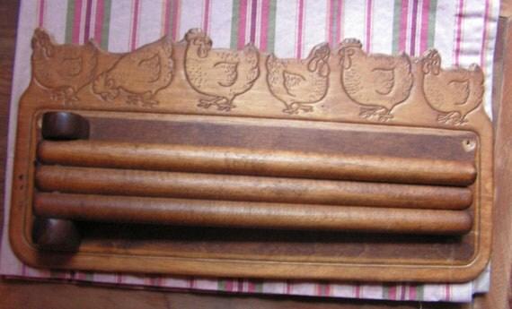 Vintage Hen Chicken 3 Tiered Swing Arm Kitchen Towel Rack