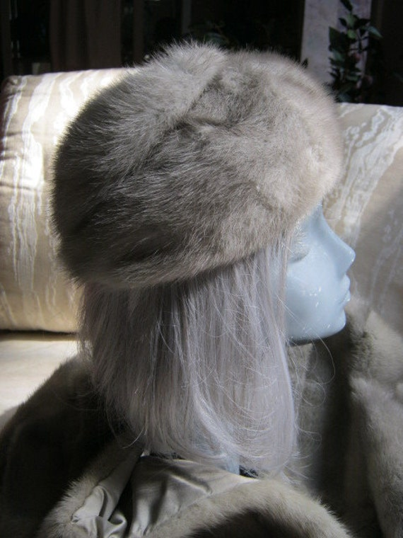 RESERVED NICOLETTA NOE    Nearly perfect grey shades fur maybe mink hat fully lined Union label