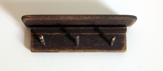Peg Rack (1 inch dollhouse scale)
