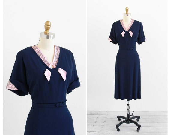 r e s e r v e d - vintage 1940s plus size dress / 40s plus size dress / Navy Blue and Pink Swing Dress