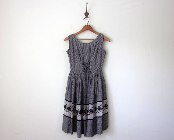 50s dress / black gingham check fitted waist sleeveless sundress (xs - s)