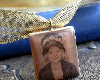 LITTLE MISS CHARACTER, vintage photo Scrabble pendant, romantic, handmade, Cool Vintage, collectibles, gorgeous, looks great, unique X 211