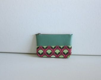 SALE - Coin Pouch with Zipper in Pea Sprout Print - Ready to Ship