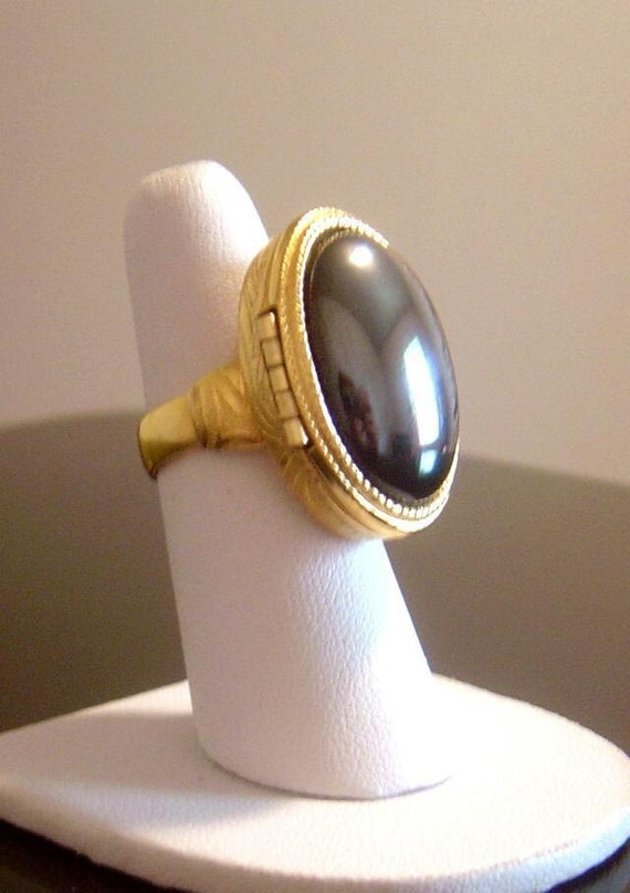 Vintage Avon Black Hematite Perfume Ring By Vintagetreasures4u
