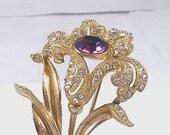 Lovely Vintage Brooch Amethyst Purple Rhinestones Gold Metal Flower