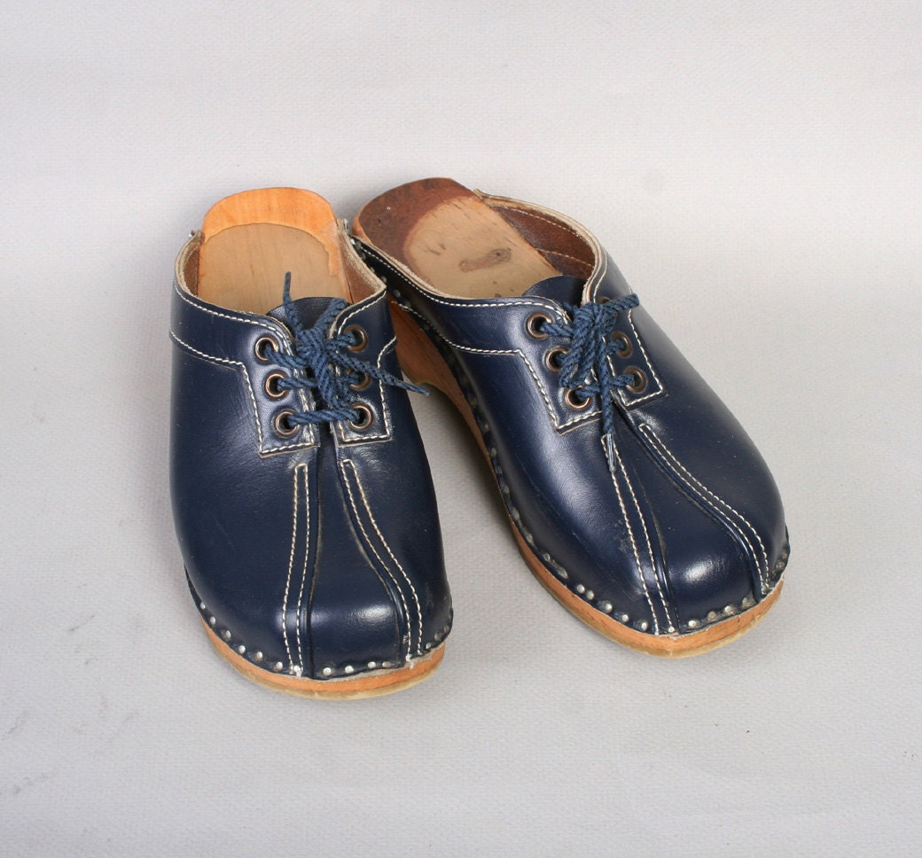 1970s Lace Up Clogs Swedish Navy Blue Leather 6 5
