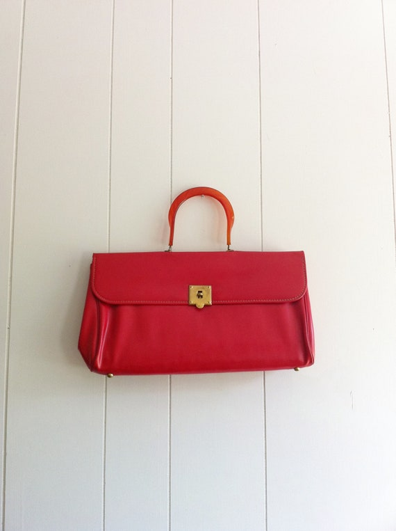 1960s Vinyl Red Purse with Lucite Handle