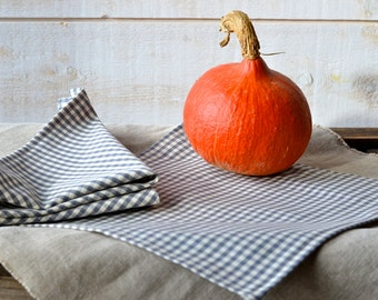 GRAY Gingham Table Napkins set of 4 / Rustic picnic napkins / eco friendly food napkins / retro napkins / Christmas decor
