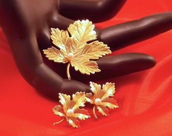 Carl-Art Gold Filled Leaf Brooch and Earrings Set Mid Century  Sale