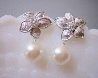 HALF OFF, Silver Flower Earrings, Pearl Earrings, Wedding Jewelry, Bridal Jewelry, Bridesmaid Earrings, Best Friend
