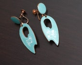 Vintage Sky Blue and White Speckle Enameled Copper Screw Back Earrings