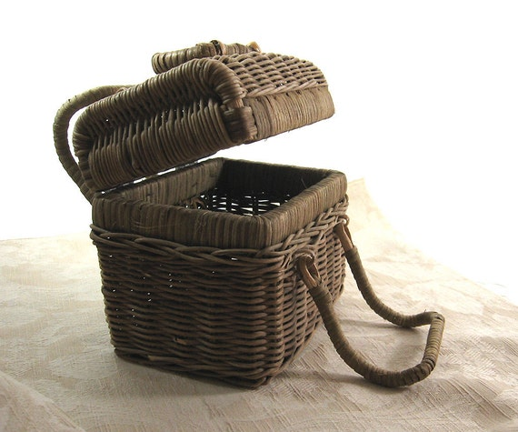 Small Wicker Trunk Basket Vintage Doll Suitcase Box Purse