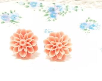 Lilith - Coral Flower Stud Earrings - Mum Earrings - Crysanthimum