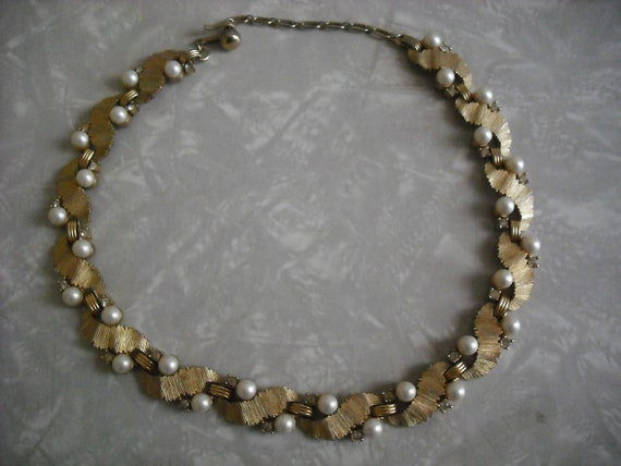 Vintage Trifari Necklace Gold Pearl Rhinestone