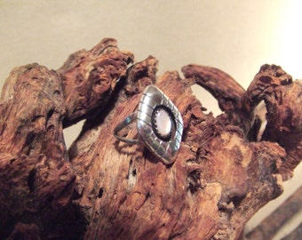 Native American Indian ring - pink mother of pearl in sterling silver  FREE SHIPPING SALE