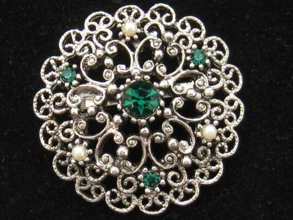Vintage JJ Jonette Green Rhinestone Flower Pin Pearls