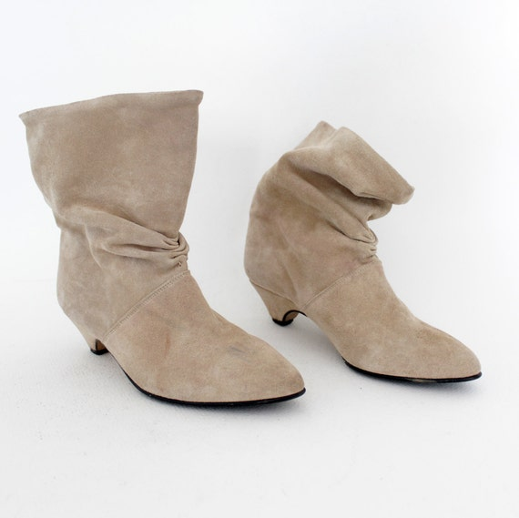 Vintage boots / creme suede pirate booties / 39-8
