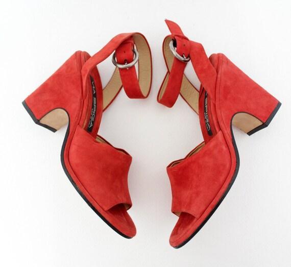 Vintage shoes / Via Spiga red suede ankle wedges / 6.5-36