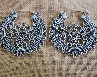 Outstanding Sterling Silver Traditional style hoop earrings / 1.25 inch / Bali Silver 925