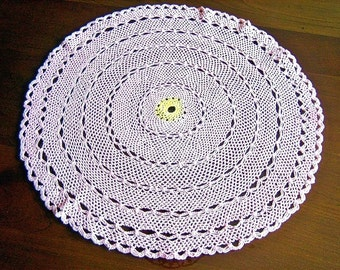 RUNNER Table Dresser Scarf Doily Color Large Pink Scalloped Rings Crocheted Lace
