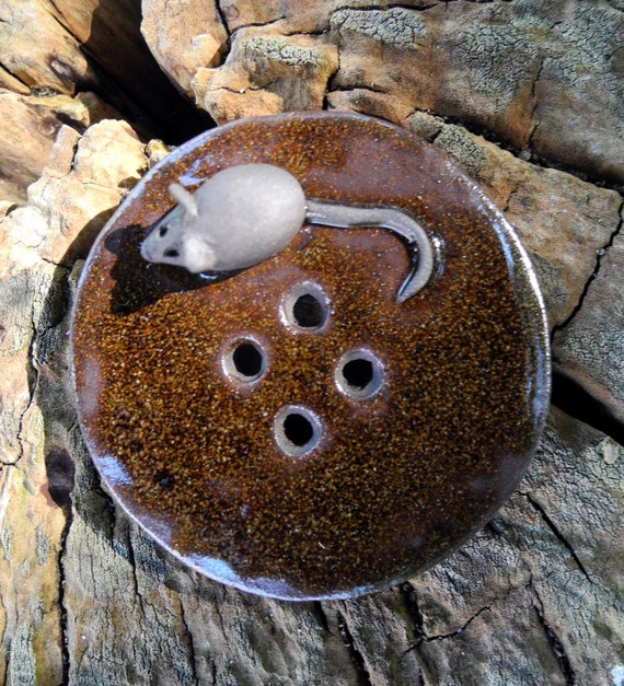 Button with a mouse - chocolate brown ceramic - 4 holes